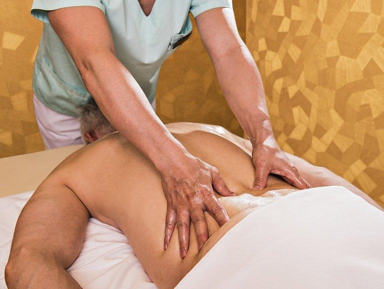 Celotelová masáž